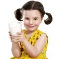 Що робити, якщо дитина не любить пити молоко?