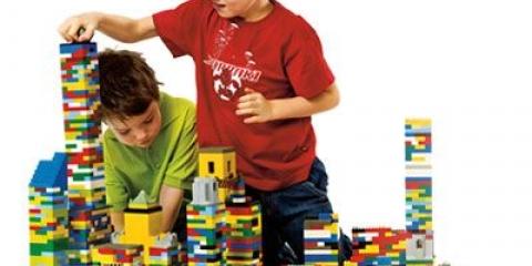 Дитячий конструктор лего і інші розвиваючі іграшки