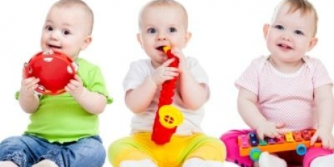 Як підбирати цікаві розвиваючі іграшки для дітей